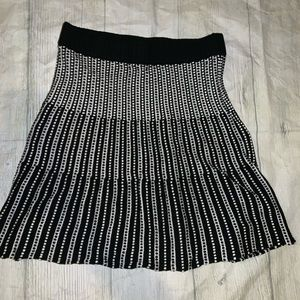 Candies  size small think comfy skirt